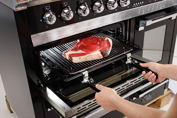 De keukeninbouwapparaten van de Italiaanse keukenfabrikant Steel zijn ...