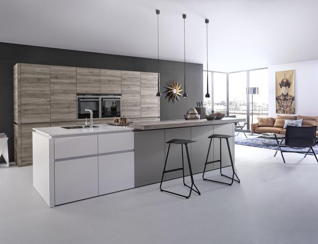 Schiereiland Kleine Keuken : als we keukenbladen mogen geloven bestaat er in de keuken weinig