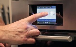 i-Bake eerste oven met volledig touchscreen