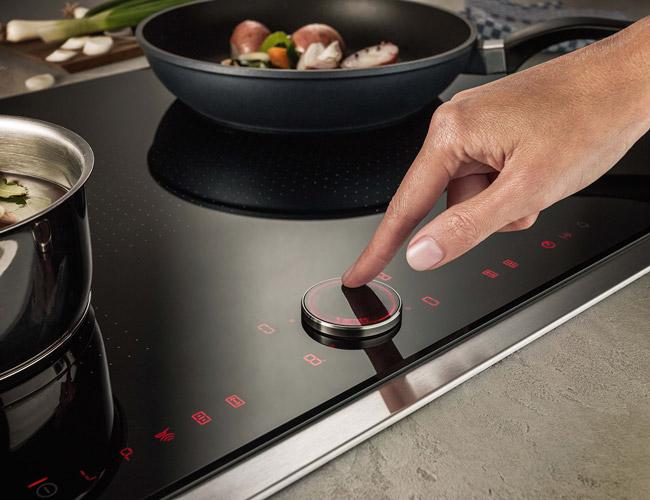 Keramische Kookplaat Aanraakbediening : Bij kookplaten blijven de innovaties ook steeds doorgaan.