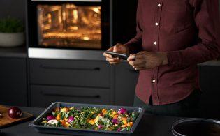 Slimme AEG ovenapp die gerechten 'op het zicht' herkent